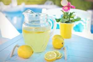 A pitcher of lemonade is another perfect way to tip your movers.