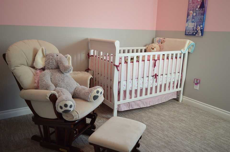 Learn how to pack a bedroom nursery from start to finish.