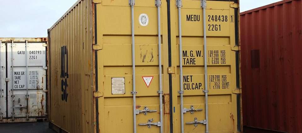 Benefits of renting a portable storage container